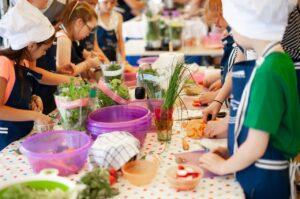 Cooking Lesson Workshops Children  - arembowski / Pixabay